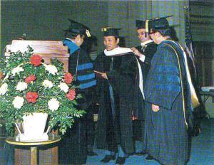 교육학 박사 학위를 받으신 김예환 이사장님